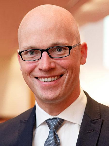 Dr. Max Middendorf